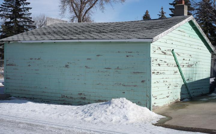 Regina, Saskatchewan garage in light turquoise, no color correction