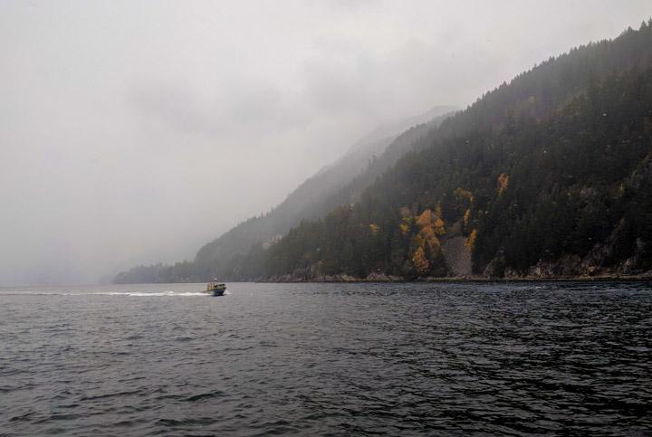 Boat approaching Horseshoe Bay